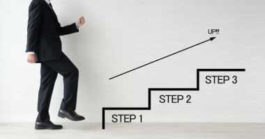 営業が新人からトップセールスへ進化するためにやるべき4つのこと