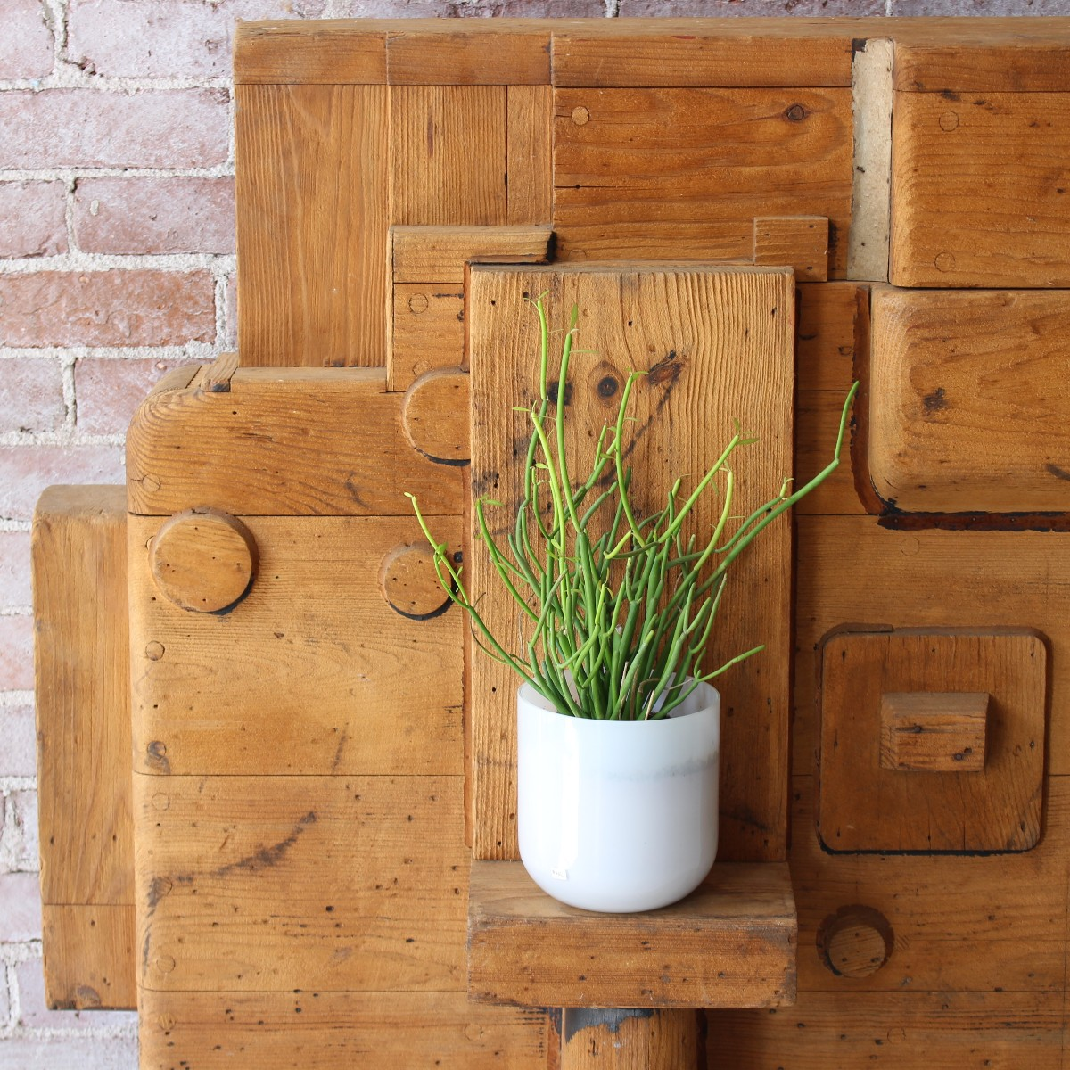 sticks and bricks wooden industrial mold