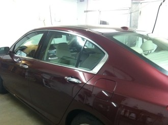 red-accord-before-auto-window-tinting