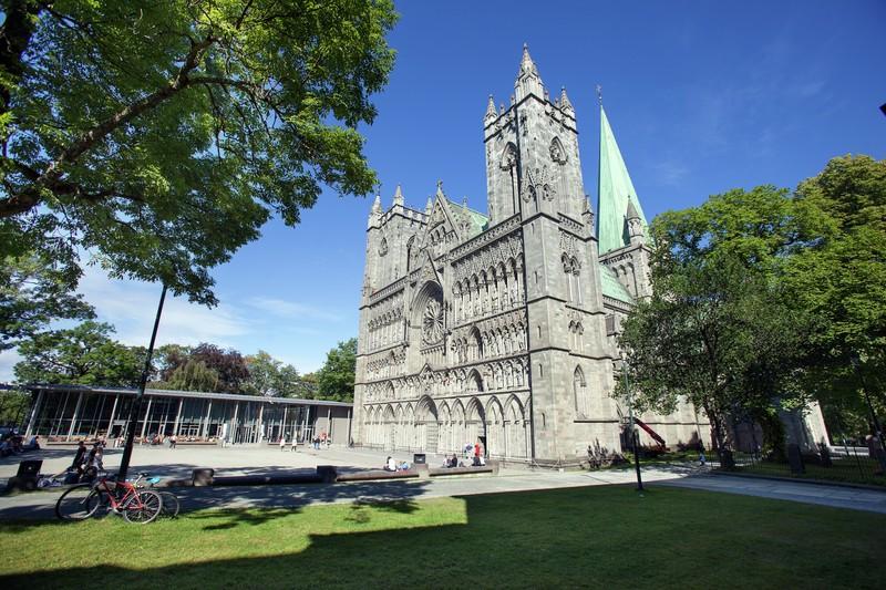 Ærverdige Nidarosdomen, Nordens eneste katedral.