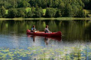 En kanotur i Indre Østfold kan være riktig så idyllisk.