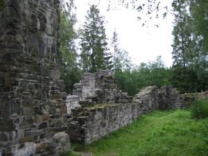 Ruiner etter Munkeby kloster mellom Levanger og Okkenhaug.