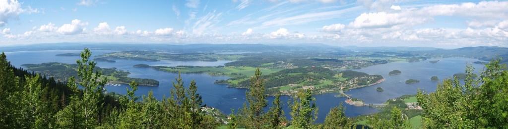 Herlig panoramabilde over Tyrifjorden.