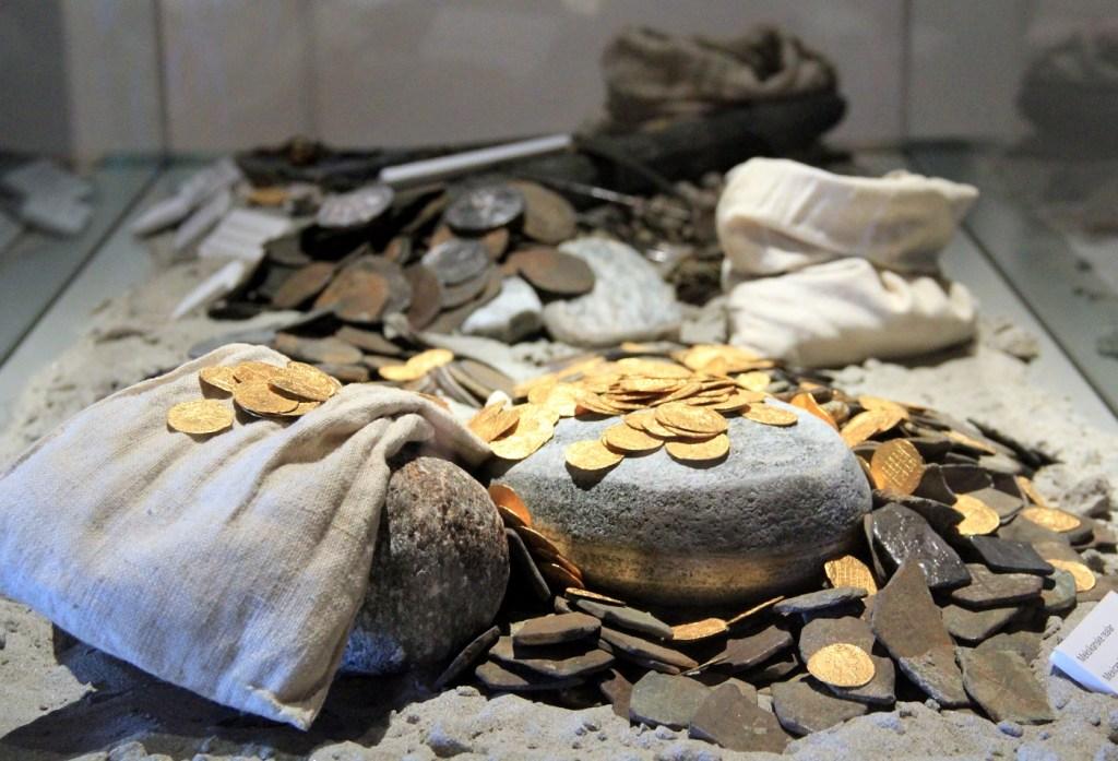 Bilde av mynter fra den berømte Rundeskatten.