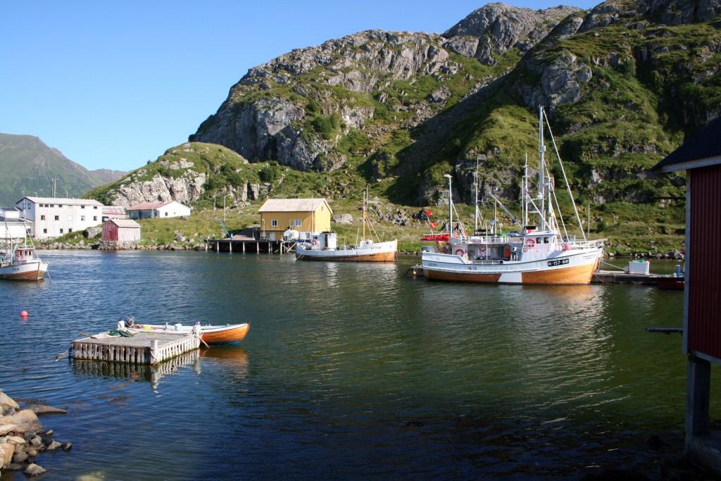 Fiskebåter til kai Nykvåg i Vesterålen