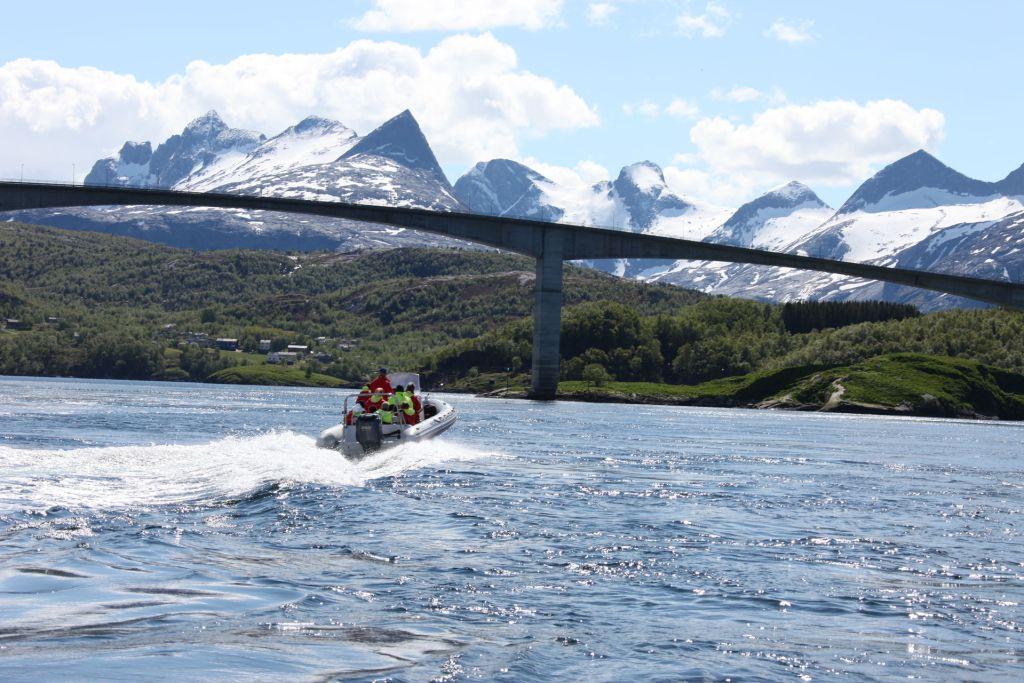 Bodø Saltstraumen med de mektige Børvasstindan i bakgrunnen