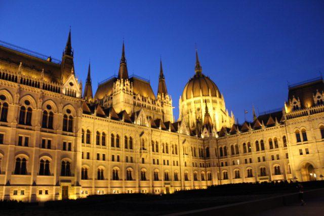 mađarski parlament budimpešta