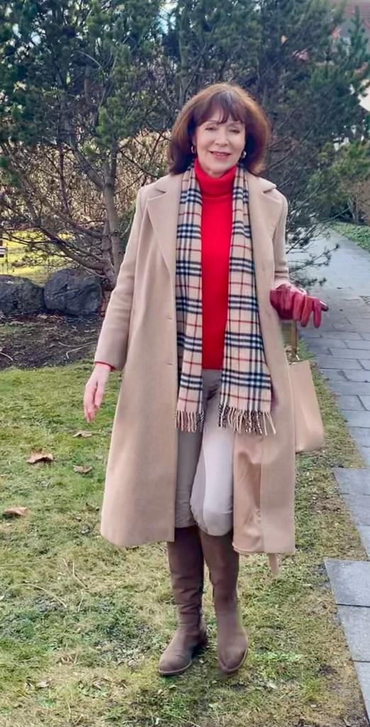 Karierter Schal zu Kamel und Rot