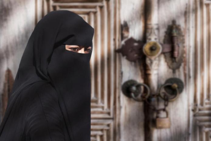 POD MAČ, BATO: Ako lakiraš nokte u Avganistanu, odseku ti prste i još 28 šerijatskih zabrana! 1