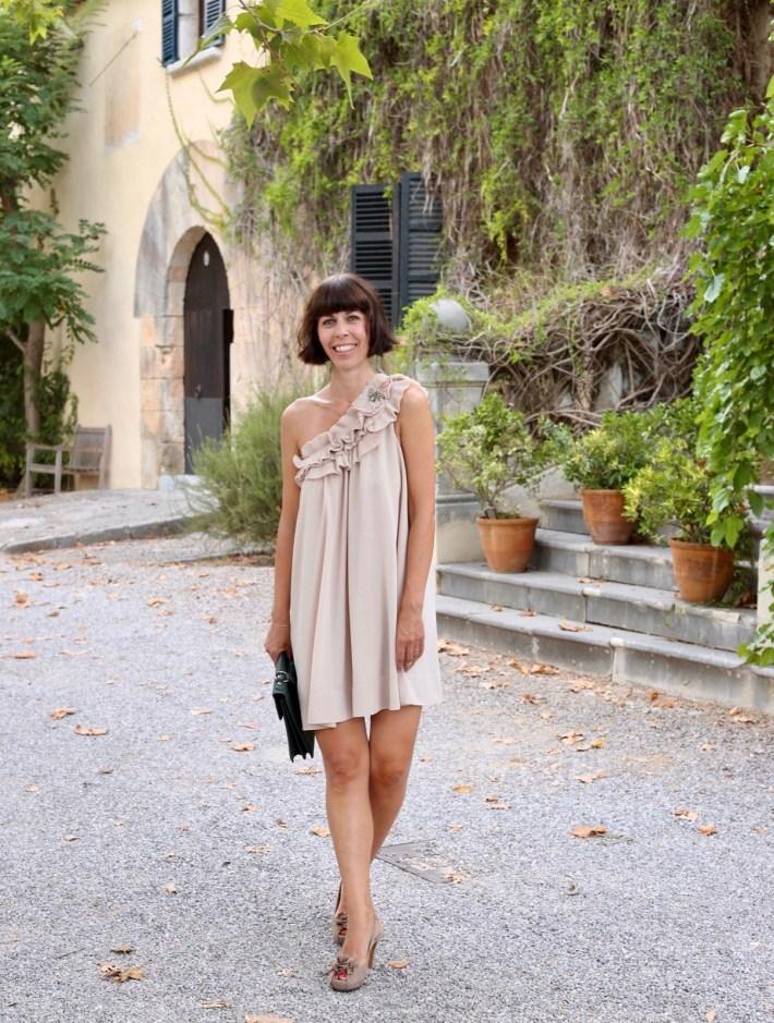 Cocktailkleider Sommerkleider Taschentrend Kurzhaarschnitt