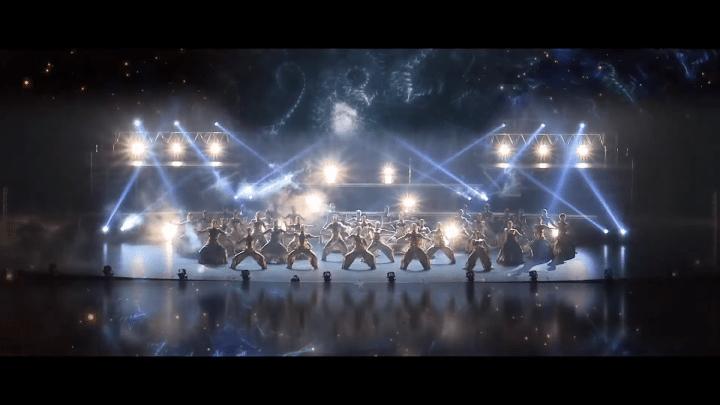 Japanse ongebruikelijke openingsceremonie van de Olympische Spelen