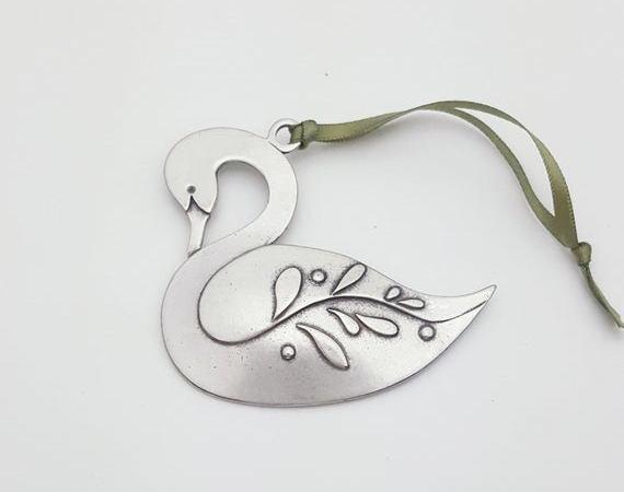 zwaan ornament door BeehiveHandmadeLLC