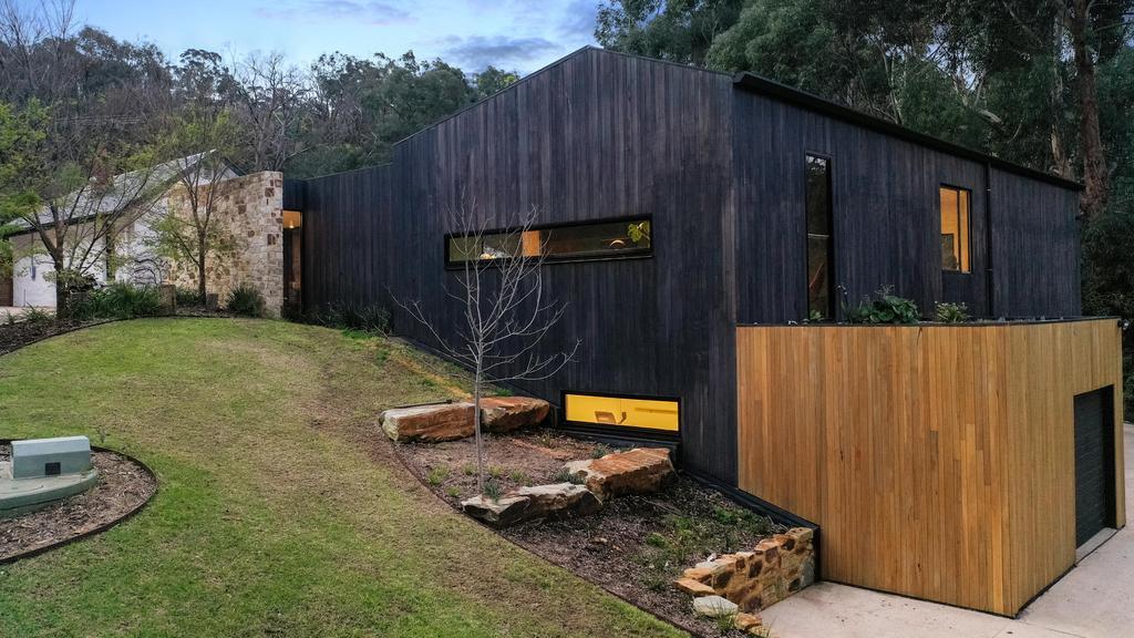 Gemoderniseerd Mylor-huis toont een groots ontwerp dat anders is dan alle andere