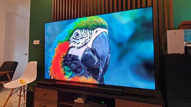 Wil je een tv die kan uitblinken in gamen, films, kdrama en werk? Hier is er een.