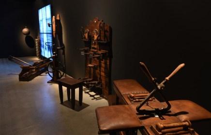 Algunos de los aparatos que el ilusionista empleaba para ejercitarse