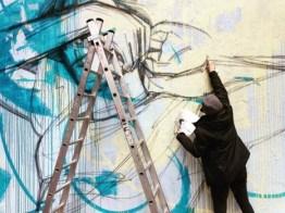 3.-Alice-pintando-la-pieza-de-MindTheWall-466x350