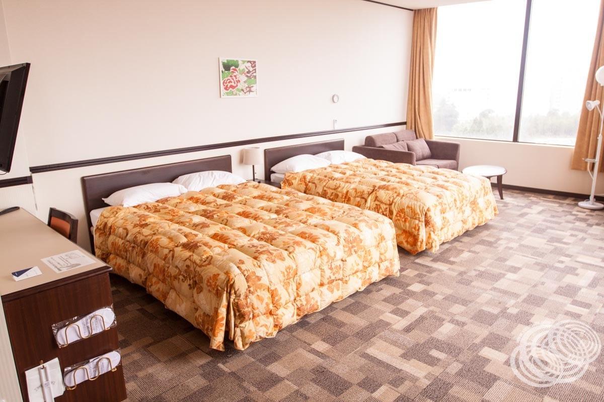 Toyoko Inn Narita Airport Deluxe Twin Room Beds