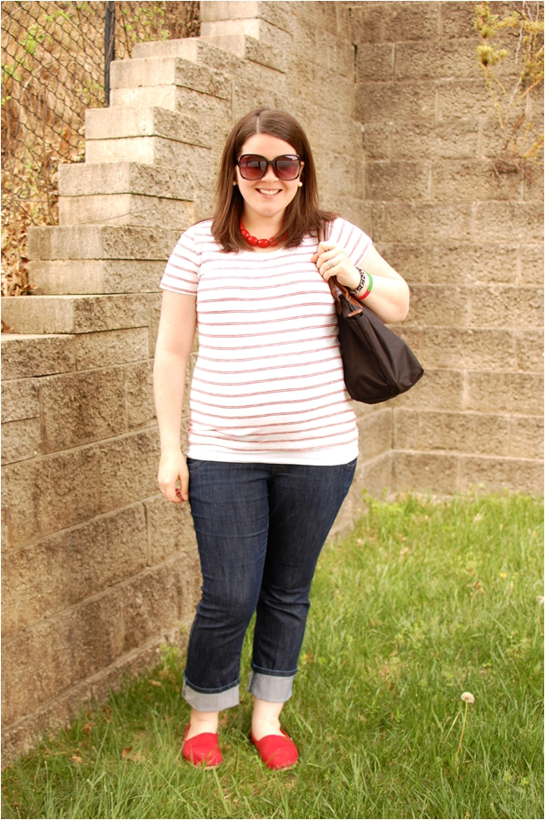 maternity travel style: red striped tee, jeans, red toms, longchamp bag