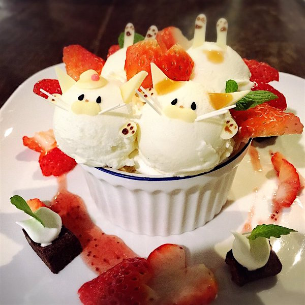 Japanese Cat Parfaits Are the Cutest Treats Ever