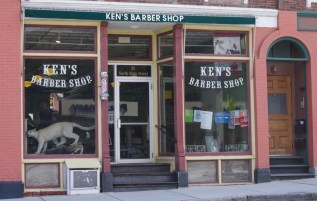 Ken's seems to be a pulse point of the town.