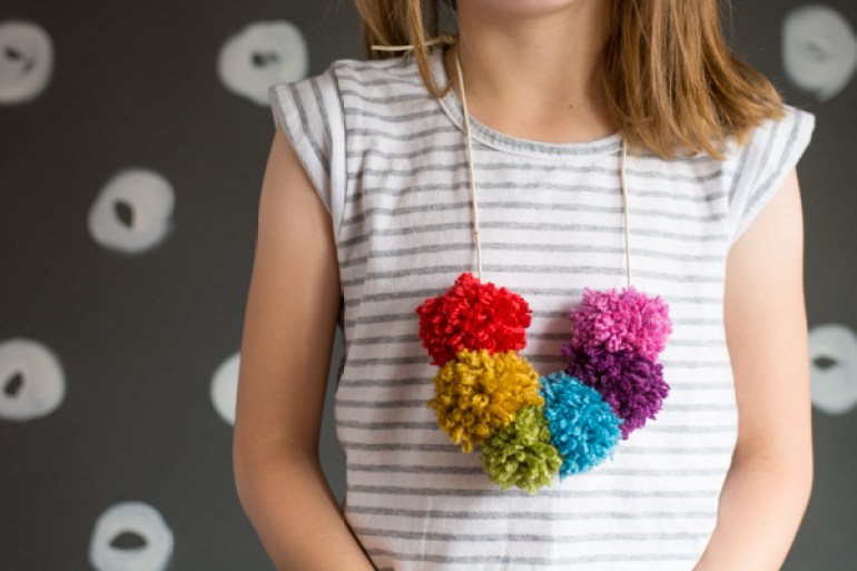 Cool Crafts for Kids Pom Pom Necklace