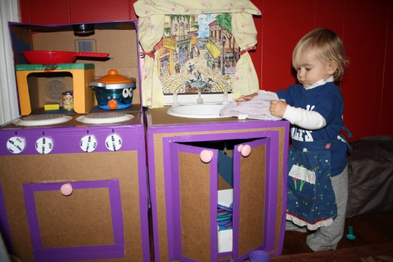Creative Craft Play Kitchen