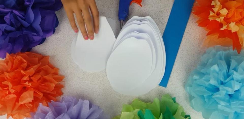 How to Make Giant Paper Flowers Inner Petal
