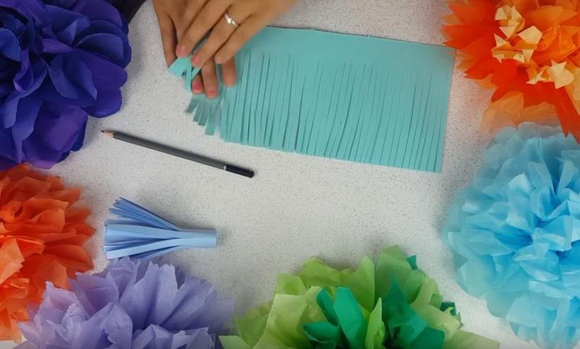 How to Make Giant Paper Flowers Larger Center
