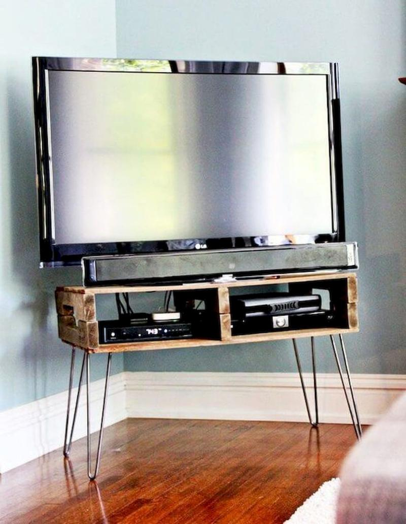 diy pipe and wood tv stand
