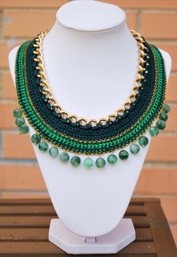 how to make a crochet necklace with ladder yarn