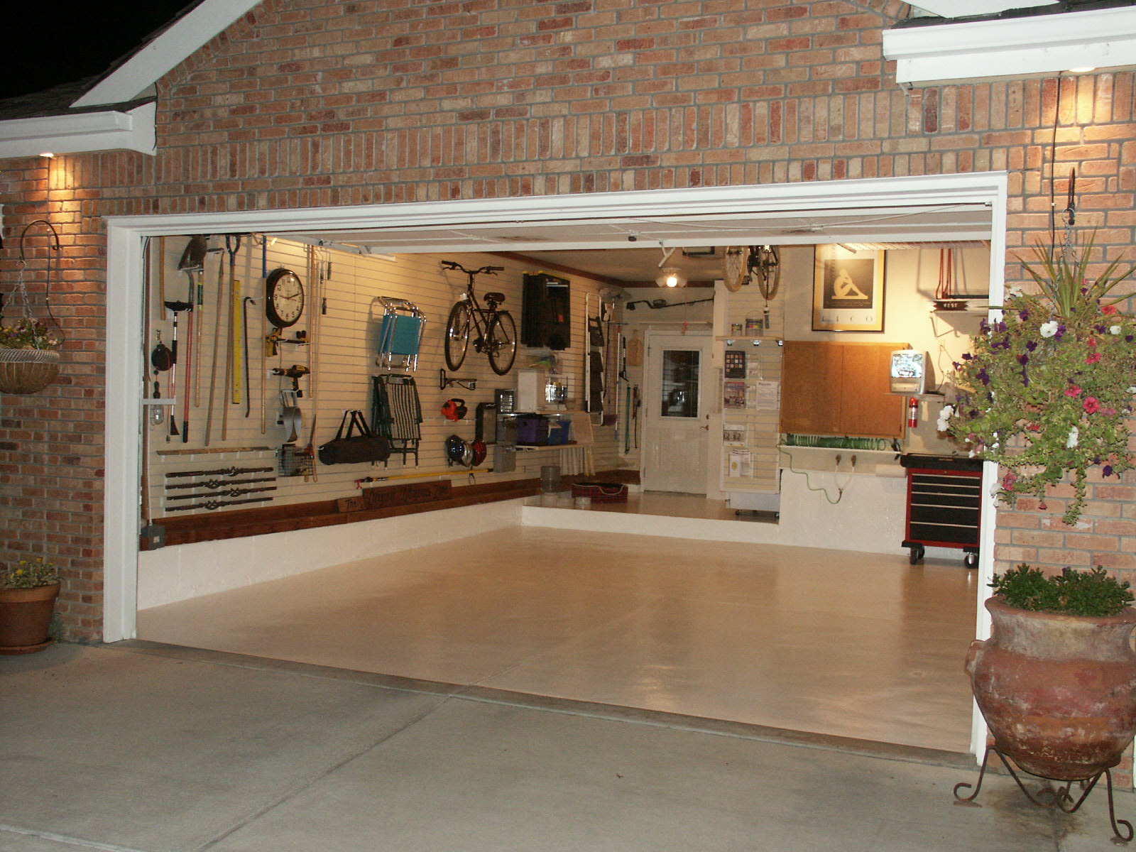 Organized Garage   stillplayinghouse on Organized Garage  id=42031
