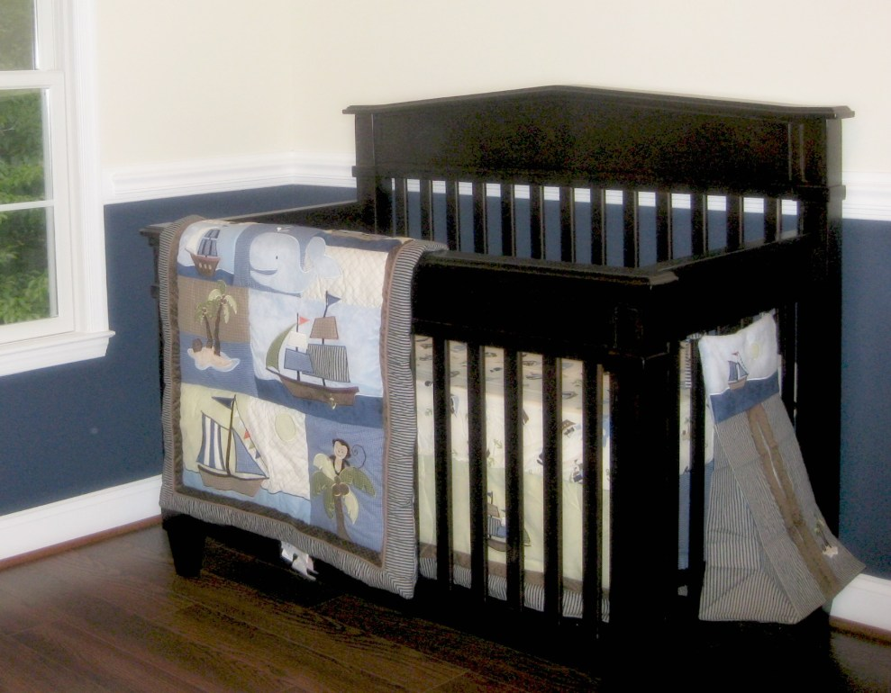 An empty crib without the baby