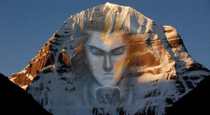 La théorie russe suggère que le Mt Kailash est une pyramide fabriquée par des extraterrestres