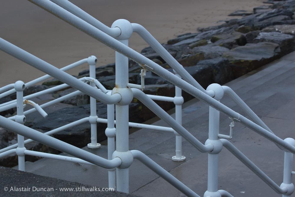 promenade railings