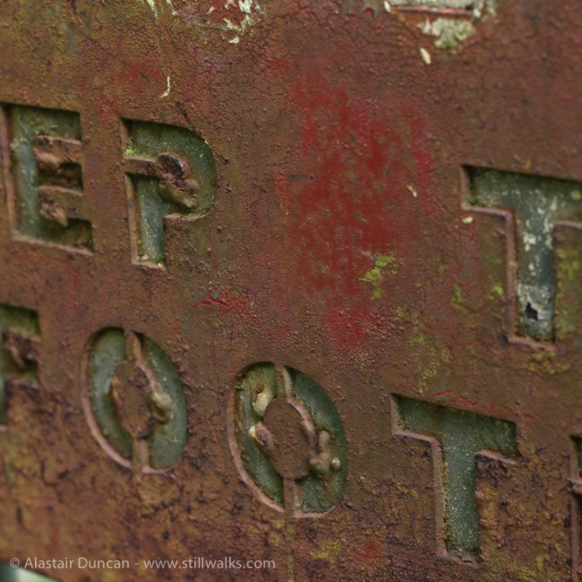 keep to the footpath