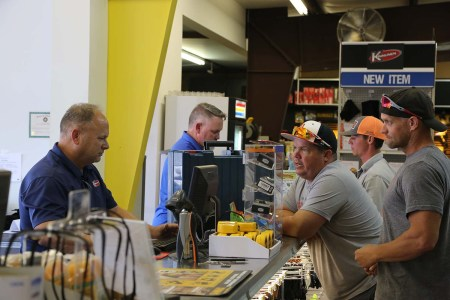 Customer service is a priority at Kinnunen.