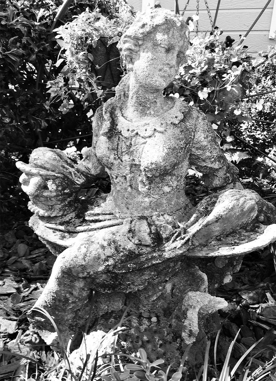 Diana statue black and white
