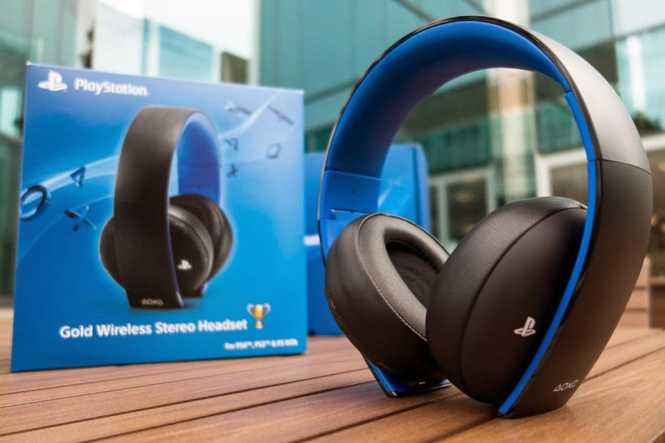 PlayStation Gold Wireless Stereo Headset Stimulated Boredom