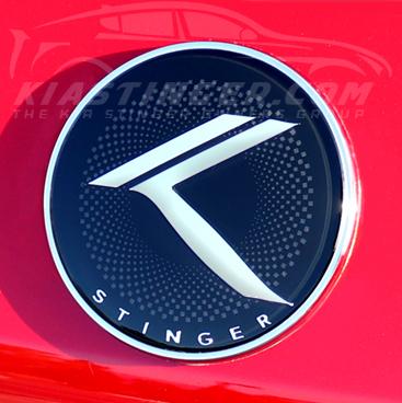 loden stinger vintage k round badge red