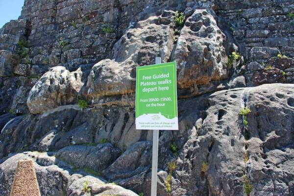 Free guided walks on Table Mountain meeting point sign