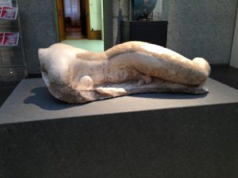 Gott Hermaphroditos, ein antikes Zwitterwesen im Antikenmuseum in Basel.