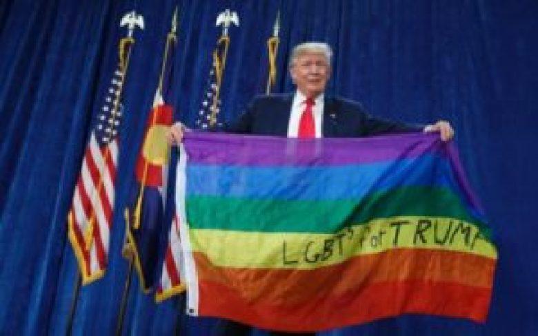 Lieber Donald Trump, sie halten die Regenbogenfahne verkehrt rum!