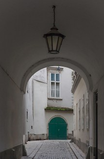 Passage across from Franziskanerkirche, leading to a cafe