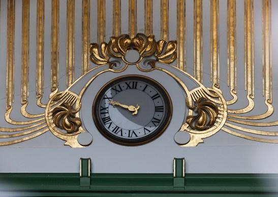 Clock inside the old Karlsplatz station