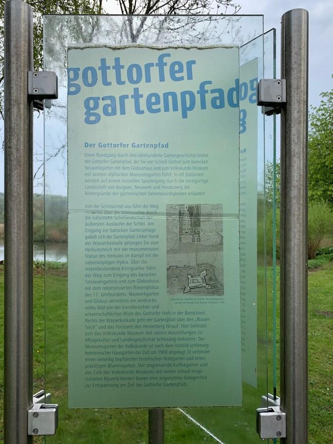 Gottdorf Caslte (Schleswig, G), 'Gottorfer Gartenpfad', baroque castle garden and forest (17th century). Photo: Stinze Stiens.