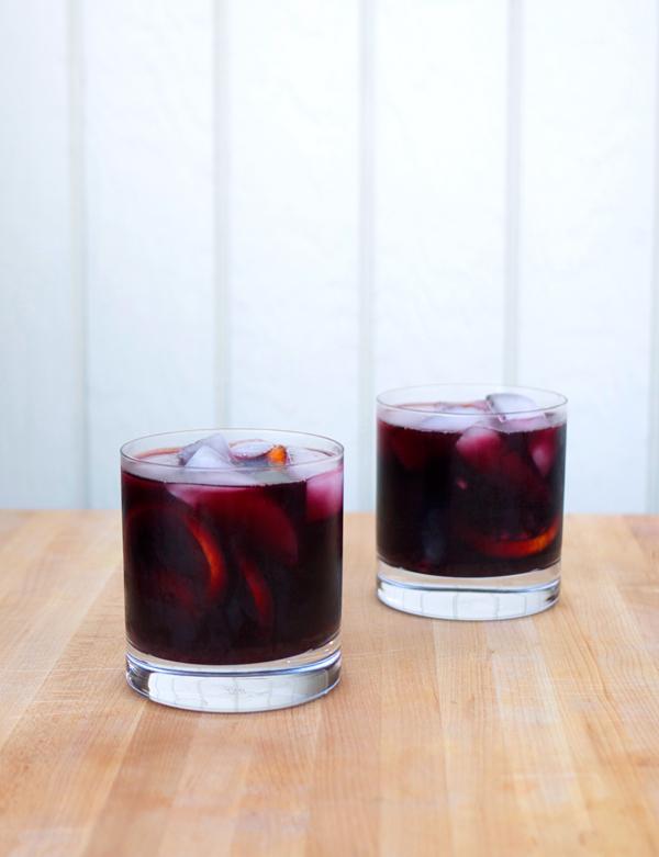 sage blackberry sangria // stirandstrain.com