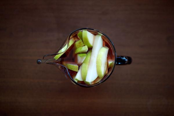 Drunken Apple and Rosé Sangria // stirandstrain.com