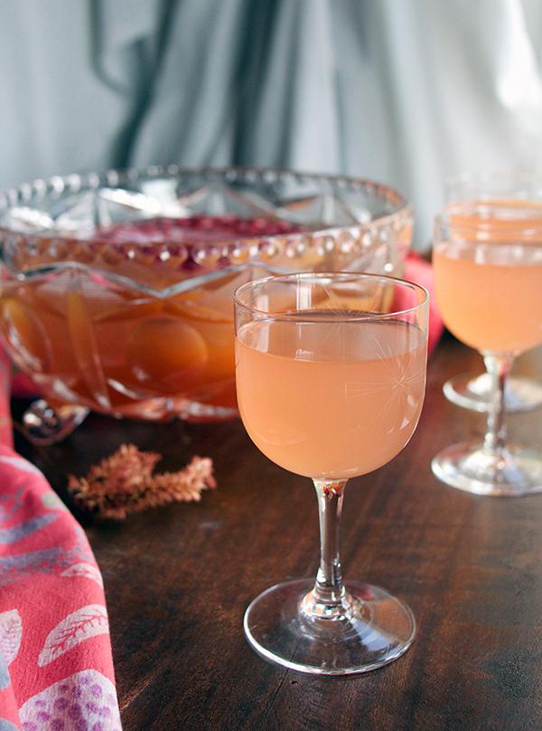 Desert Rosé Punch // stirandstrain.com