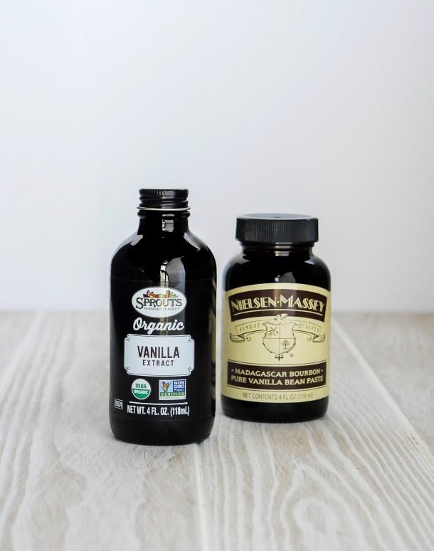 Make or Buy: Bourbon Vanilla Extract // stirandstrain.com
