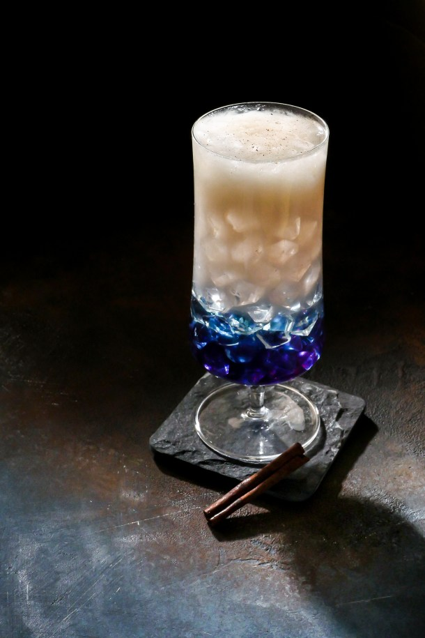 Star Wars Cocktail: Rey's Rations // stirandstrain.comStar Wars Cocktail: Rey's Rations // stirandstrain.com